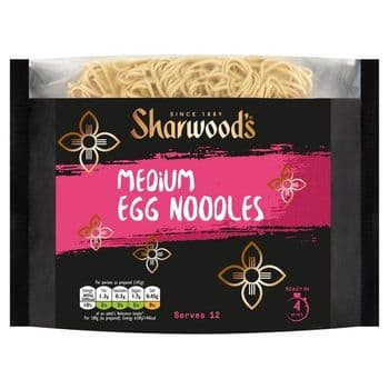 Sharwoods Medium Egg Noodles 680G