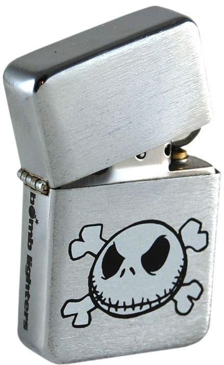 Skull and Crossbones Windproof Lighter