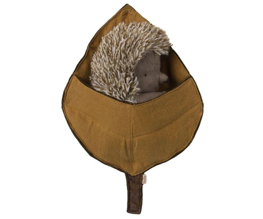 Maileg Hedgehog mum in a leaf