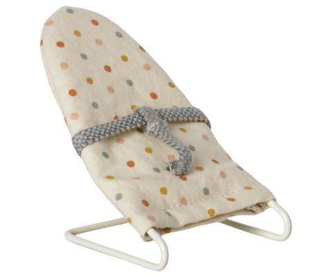 Maileg baby bouncer chair - spot