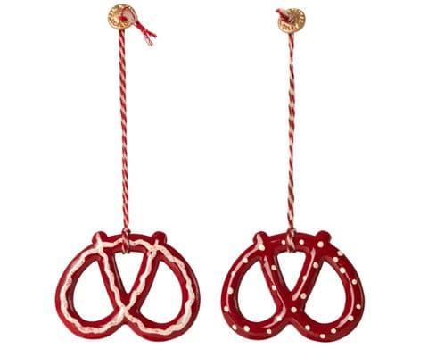 Set of 2 metal ornament -  pretzels