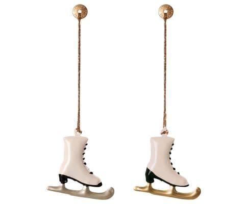 Set of 2 metal ornaments - skates