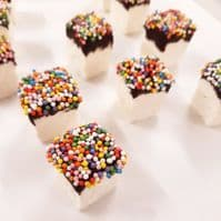 Ananda Pride Dipped and Sprinkled Marshmallows 80g