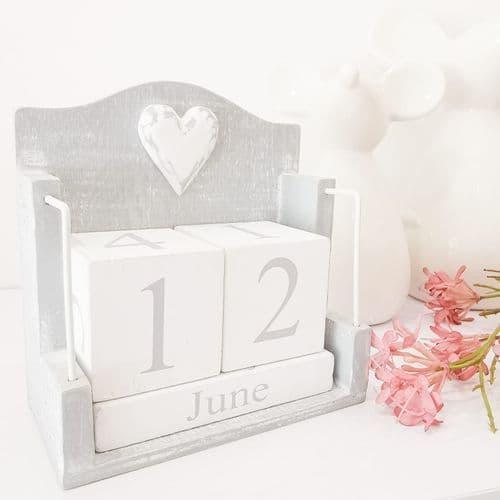Grey Shabby Chic Calendar