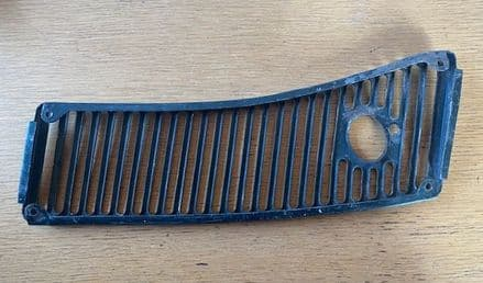 1963-67  C2 Corvette Conv ,  Needs Work Cheap RH Wiper Air GRILLE  GM 3797078 ,Used