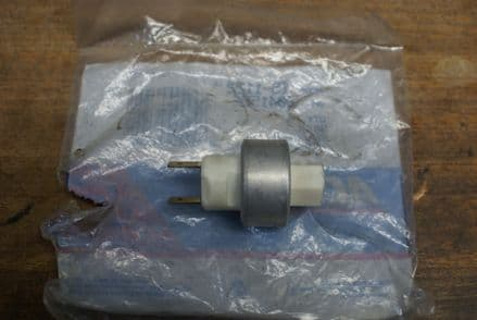 1985-1991 C4 Corvette,A/C Pressure Cycling Switch(Mounts on Line),GM 3041596,New
