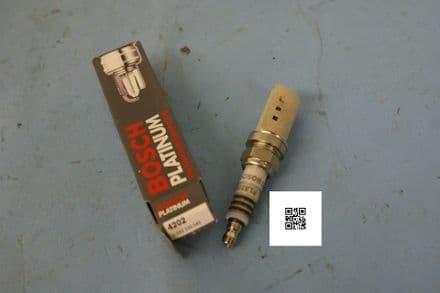 Bosch Platinum 4202 Spark Plug, New In Box