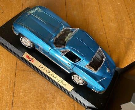 NEW  MAISTO 1965 CORVETTE  327 COUPE   1/18 scale in BLUE