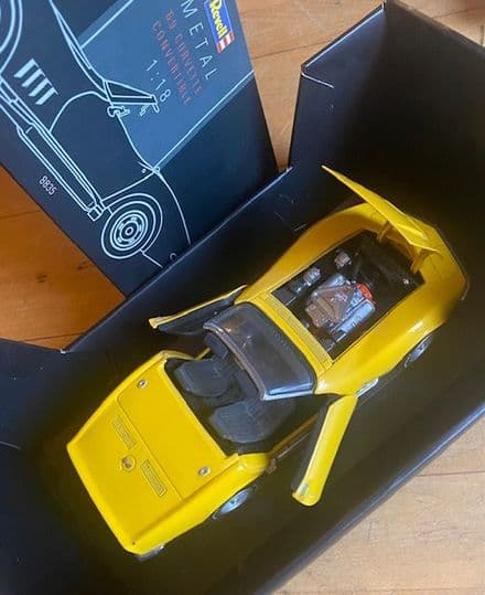 NEW  REVELL 1969 427  CORVETTE Convertible  YELLOW Collector Model on base 1/18 scale  Revell 8835