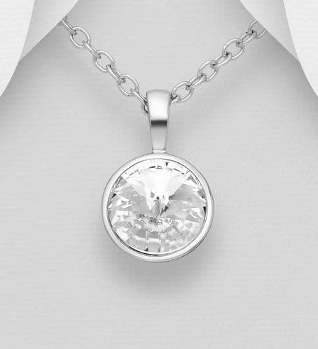 925 Sterling Silver Pendant & Chain Decorated with  An Authentic Swarovski  Crystal