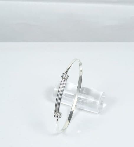 925 Sterling Silver Smaller Solid Hand Crafted Expanding Bangle in 2 Sizes